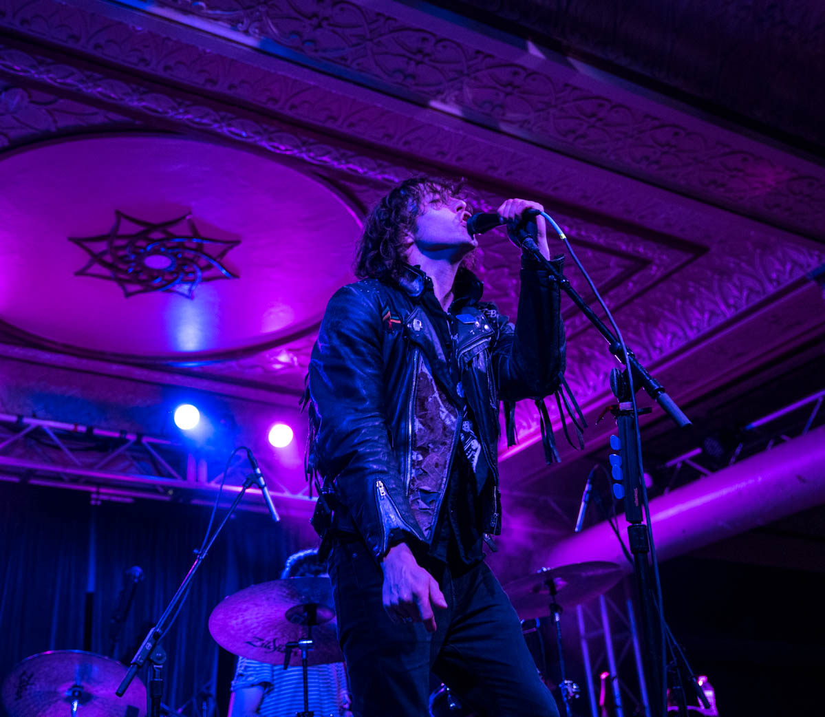 Barns Courtney heats up The Deluxe in Indianapolis, IN opening for Elle King. | 5.11.19