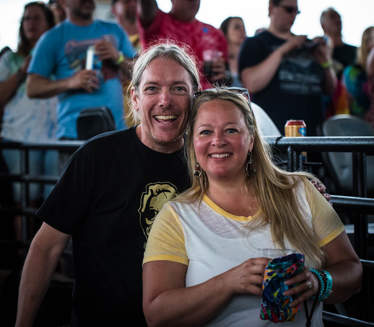 Dead & Co. fans are always so happy! #Siblings