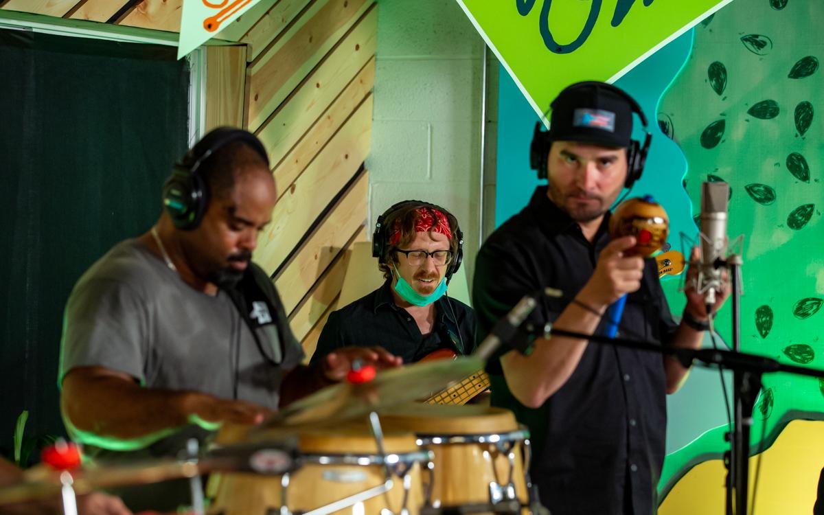 Kadencia recording for the 2020 Richmond Folk Festival on September 2, 2020. Photo Credit: © Dave Pearson 2020