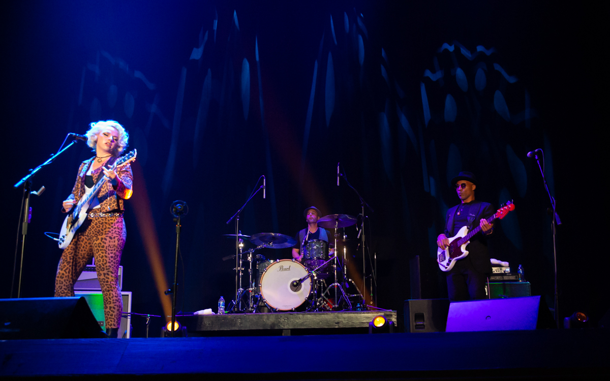 Samantha Fish and her band performing at the Beacon Theater in Hopewell, VA on April 14, 2021. Photo Credit: © Dave Pearson 2021