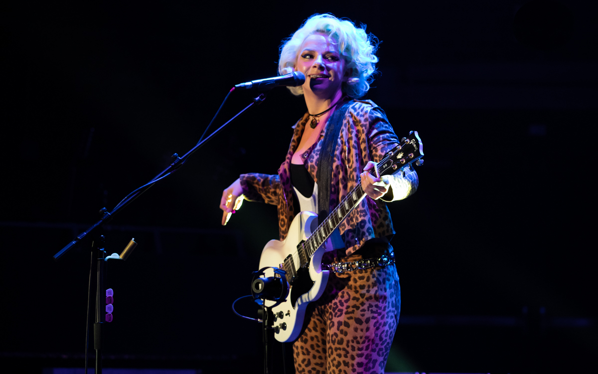 Samantha Fish and her band performing at the Beacon Theater in Hopewell, VA on April 14, 2021. Photo Credit: © Dave Pearson 2021-011