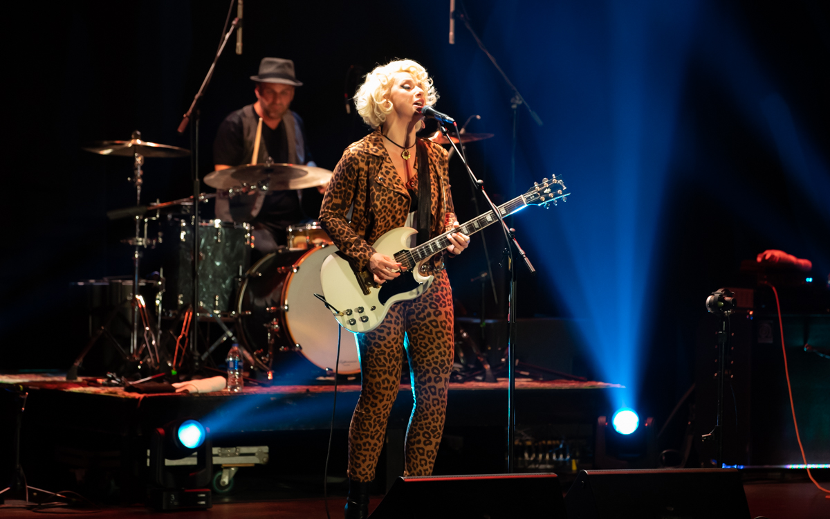 Samantha Fish and her band performing at the Beacon Theater in Hopewell, VA on April 14, 2021. Photo Credit: © Dave Pearson 2021-015