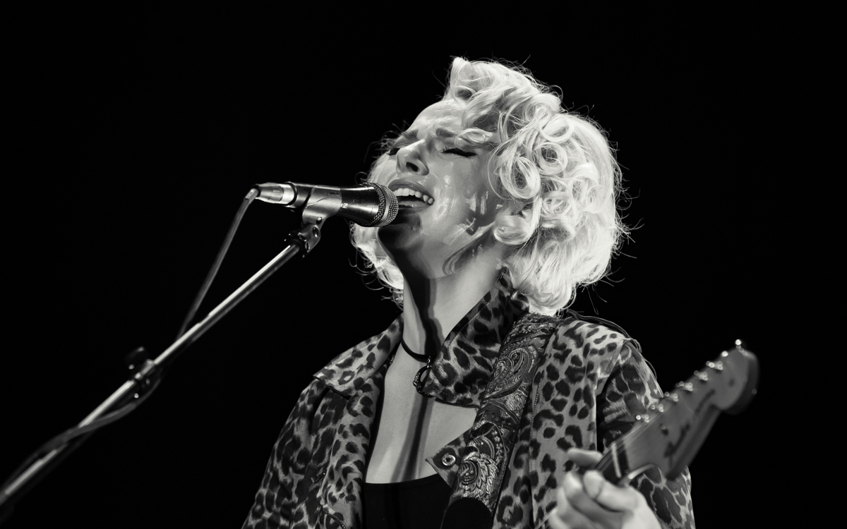 Samantha Fish and her band performing at the Beacon Theater in Hopewell, VA on April 14, 2021. Photo Credit: © Dave Pearson 2021-019