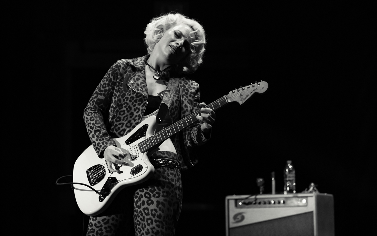 Samantha Fish and her band performing at the Beacon Theater in Hopewell, VA on April 14, 2021. Photo Credit: © Dave Pearson 2021-021