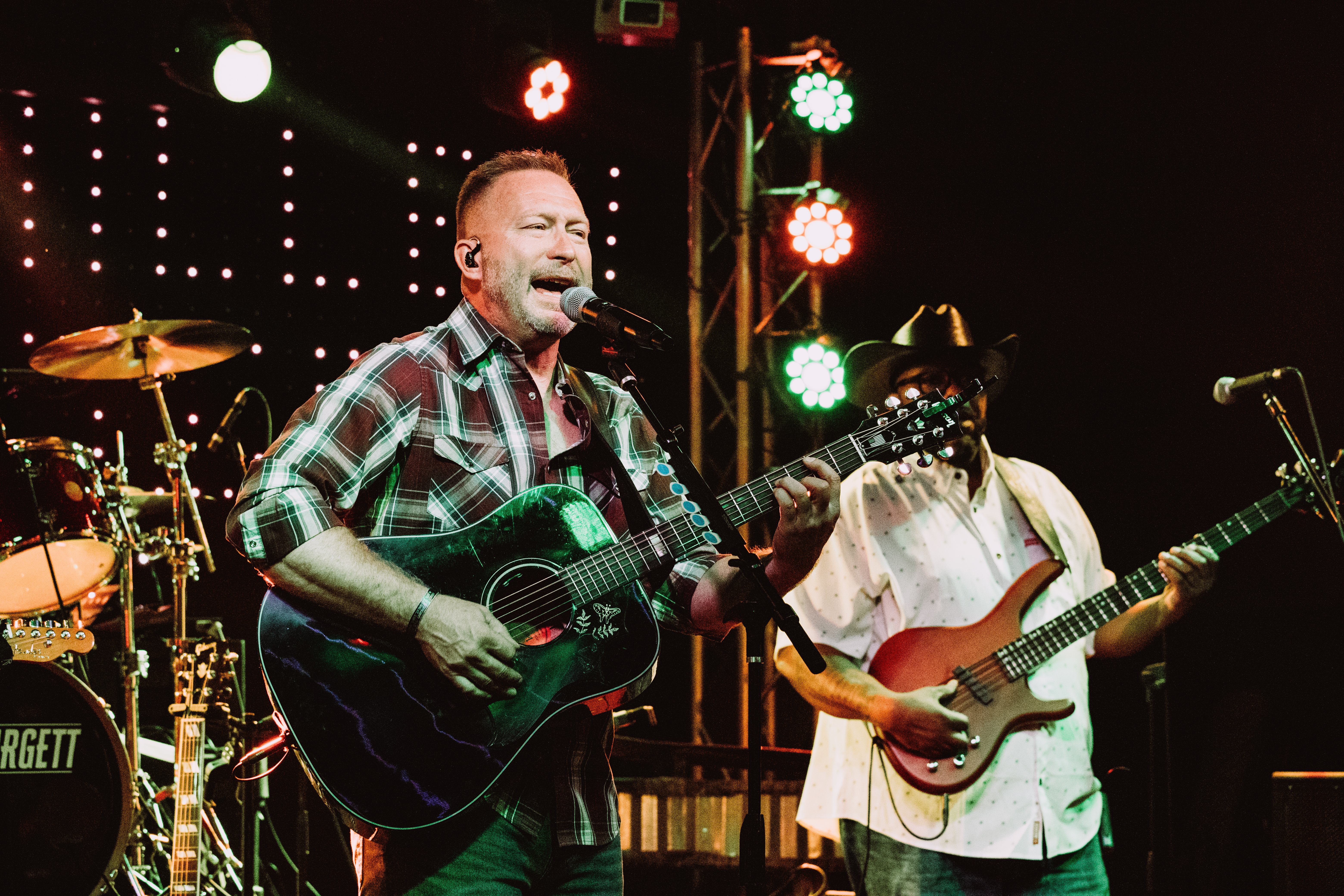Scott McMillen & The Chase at Hard Times Café in Fredericksburg, VA on 8-06-2021. Photos © Kelli Palotay